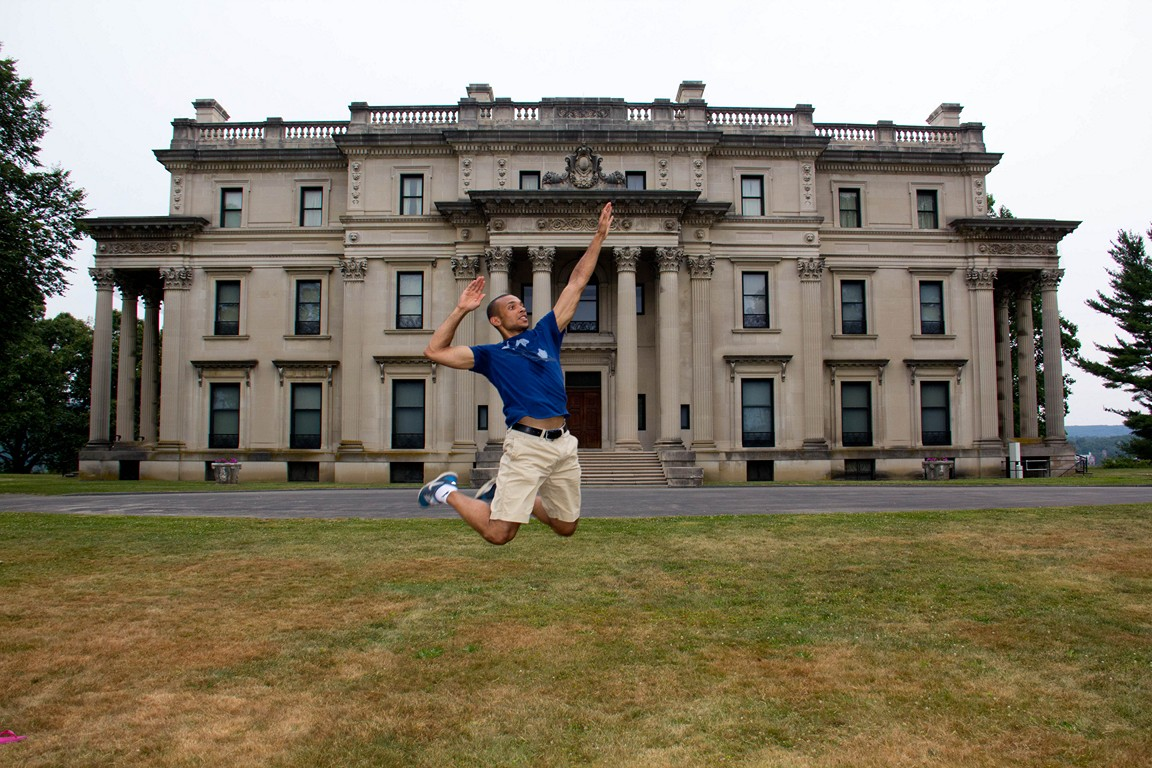 Playing at the vanderbilt mansion 11