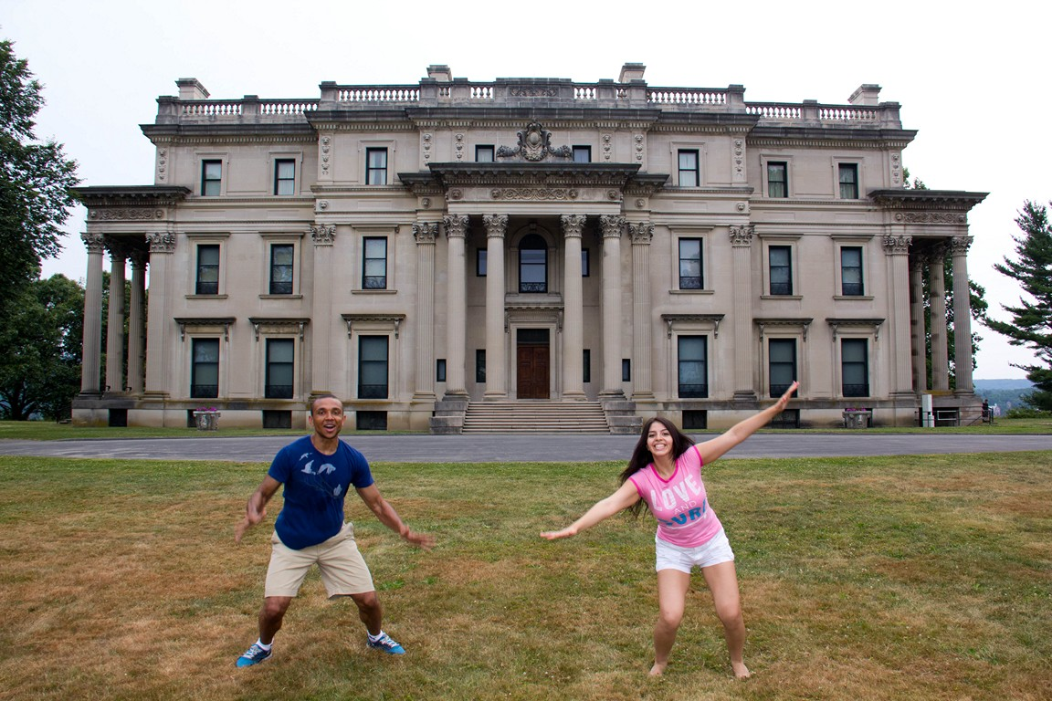 Playing at the vanderbilt mansion 4