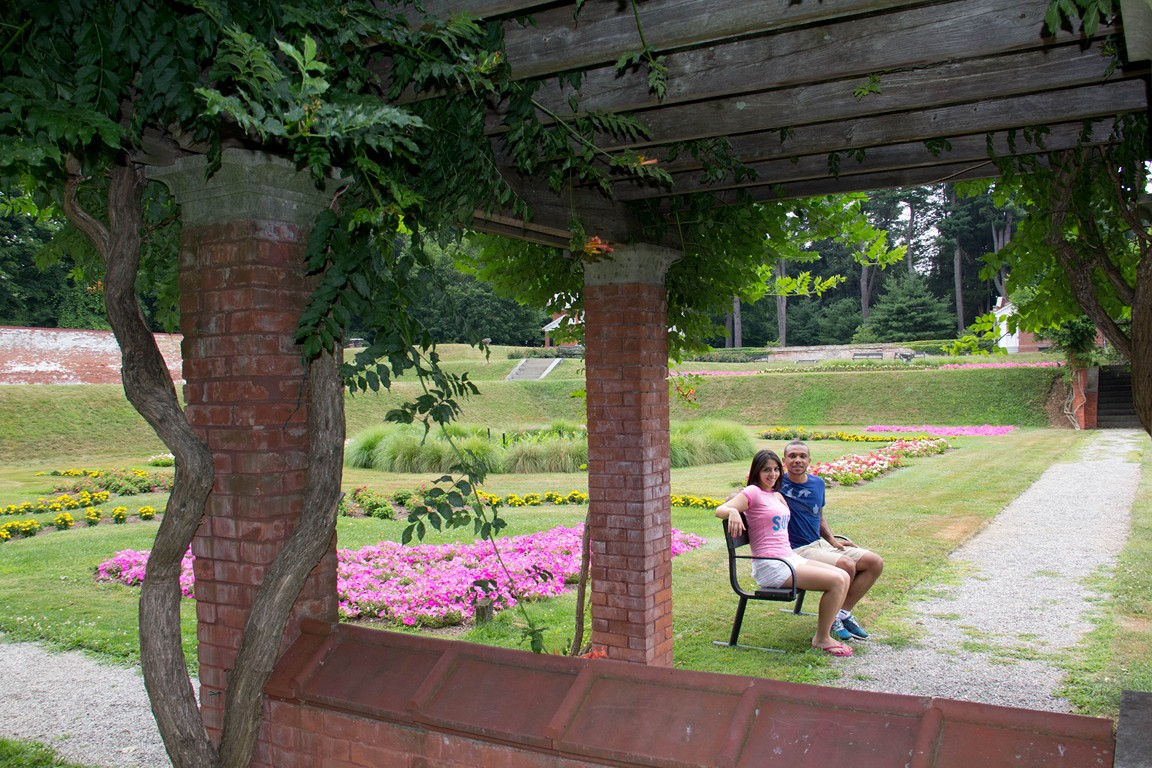 Tania and I in the garden of vanderbilt mansion