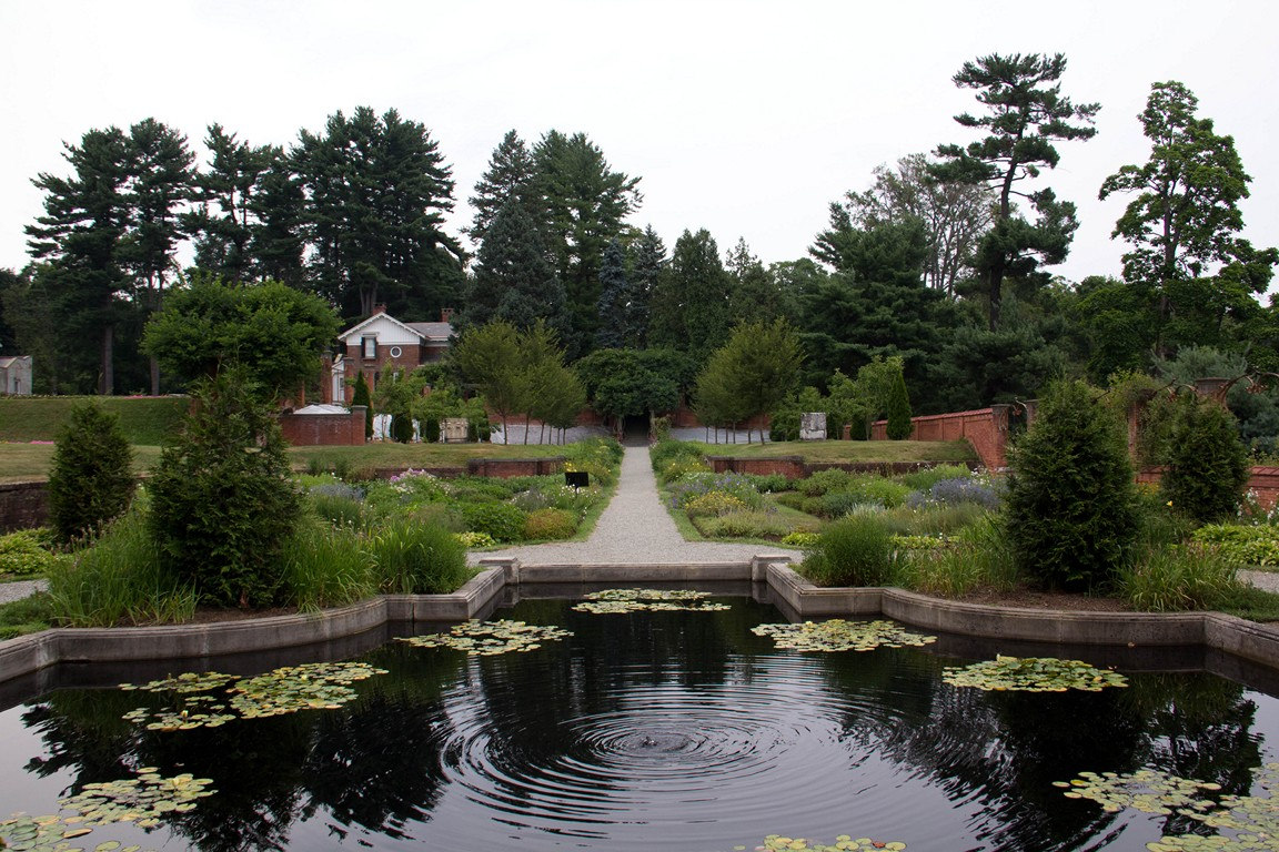 the pond in the vanderbilt mansion