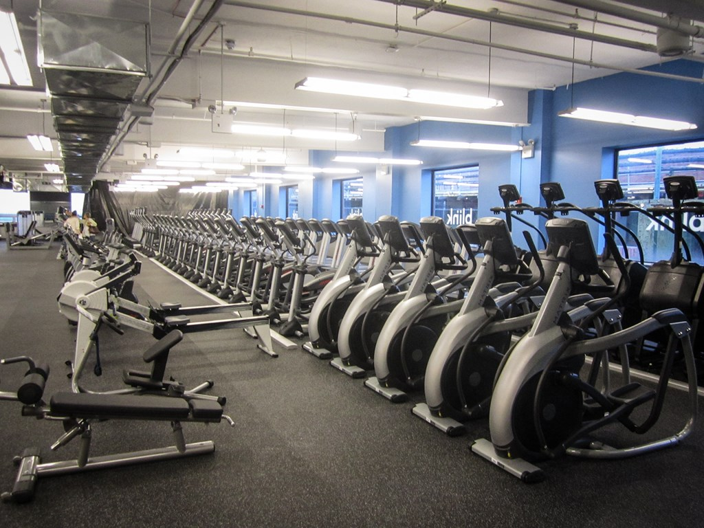 Review of Blink Fitness in Jackson Heights Queens