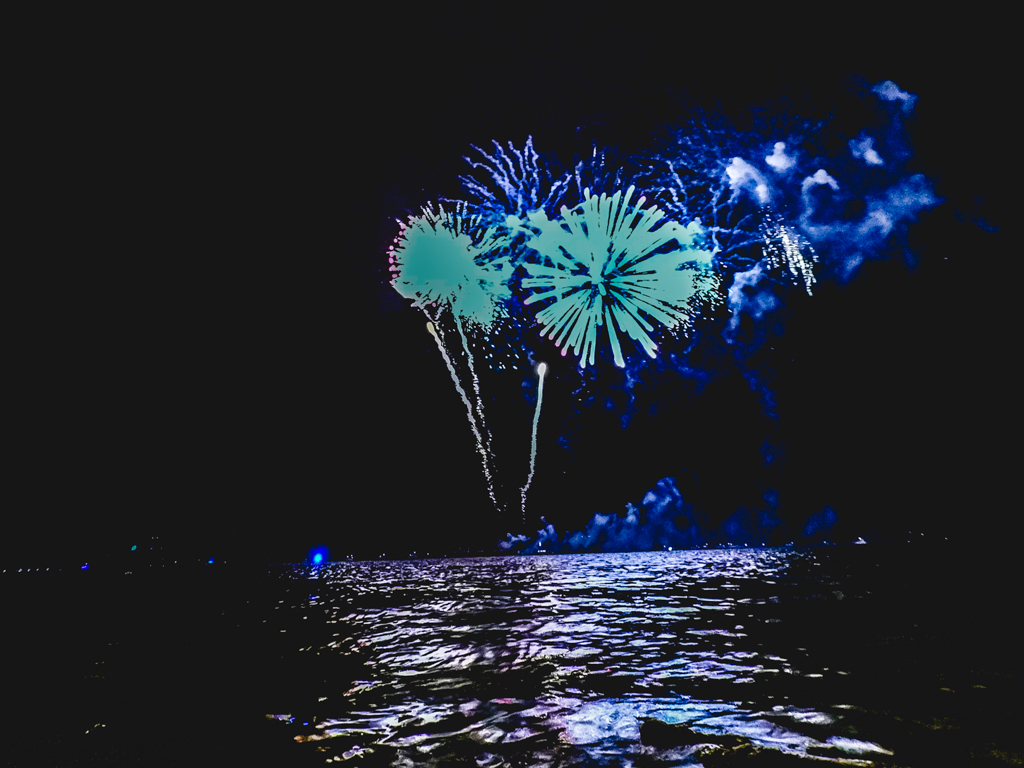river fireworks in new york